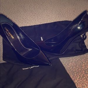 SAINT LAURENT BLACK OPYUM PATENT LEATHER PUMPS
